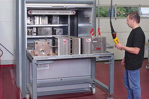 Vertical Lift Module Auto Parts Storage