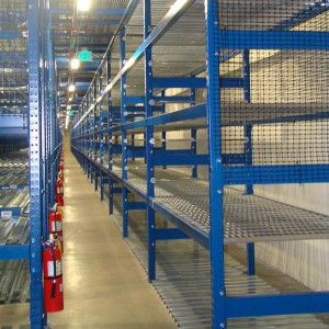 Steel-decking-and-pallet-nets