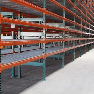 Wire-Inserts-on-Pallet-Racks