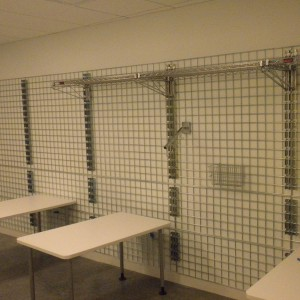 square-Wire-Display-Rack-Shelving