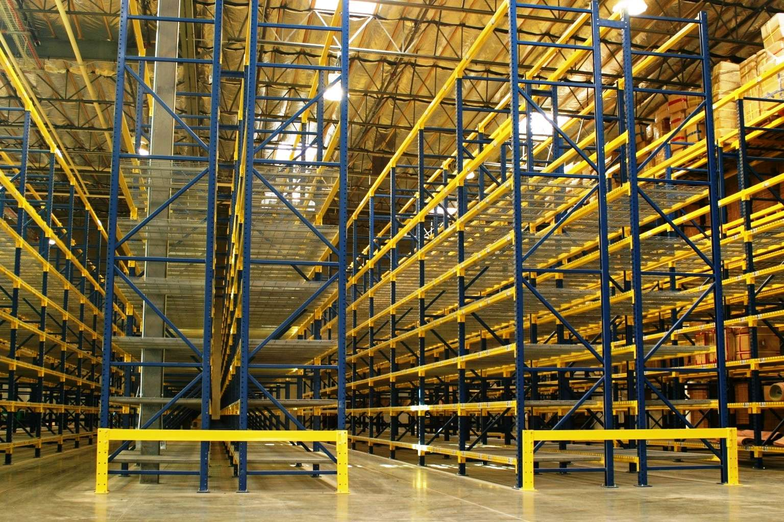 Roll Form Pallet Rack Upward View