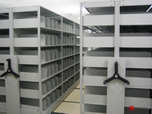 SmartShelf - boltless shelving system with dividers
