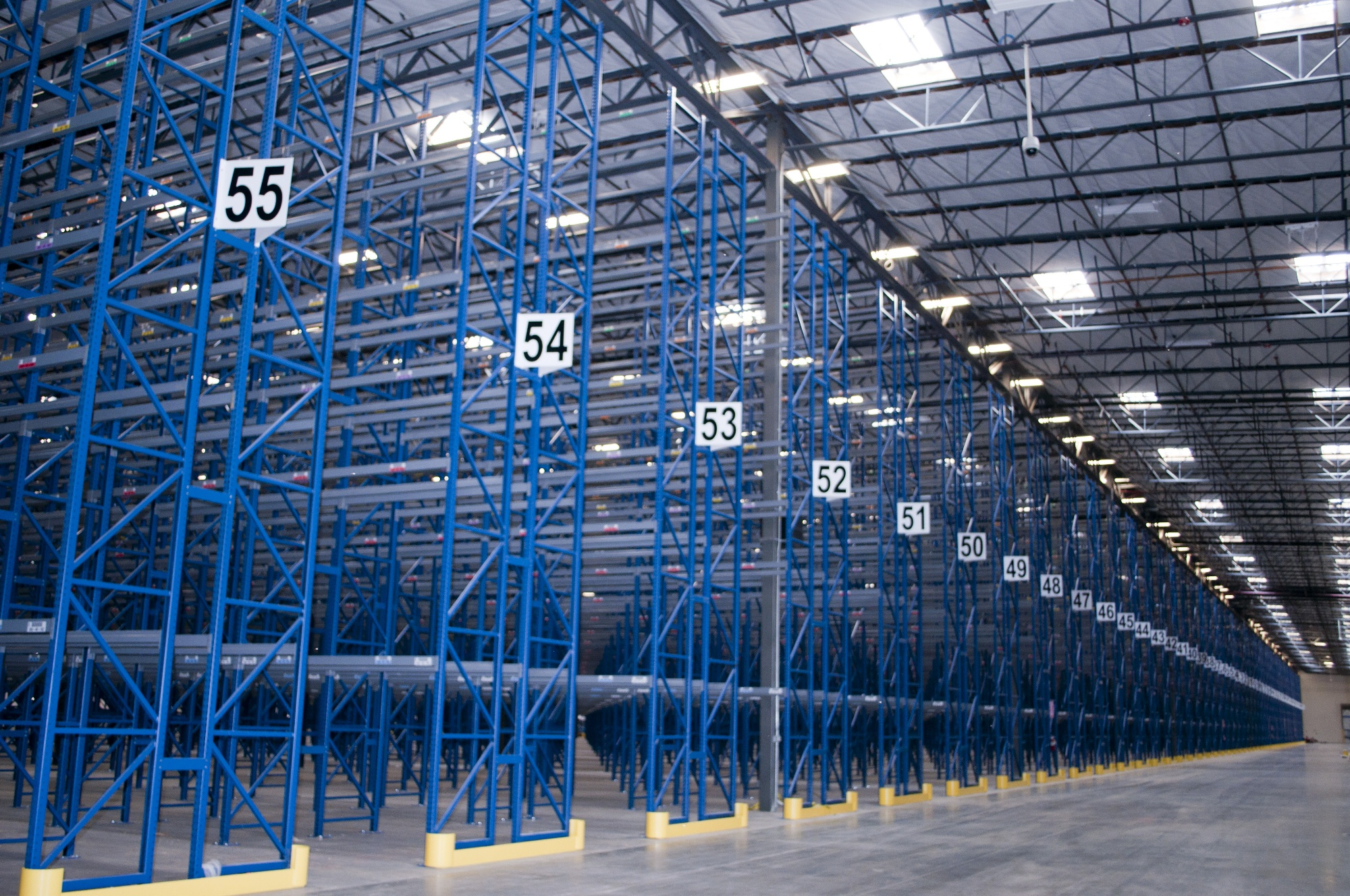 Pallet Rack Distribution Center